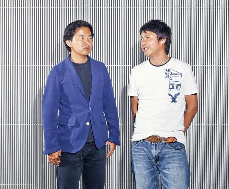 Takeshi Igarashi (esquerda) e Toshimasa Aoki, que ajudou a supervisionar o projeto do controlador DualShock 4