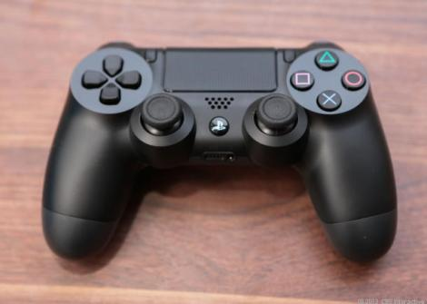 Sony_PS4_35618167_09_610x436