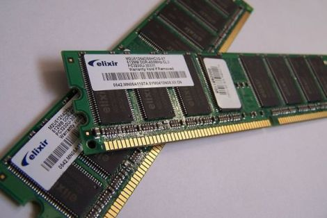 800px-memory_module_ddram_20-03-2006-5201905-gallery