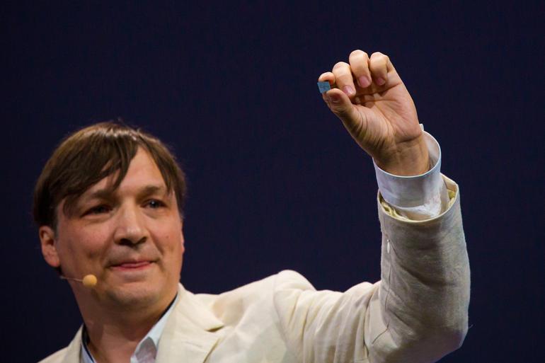 Sensores que respondem aos movimentos das mãos.