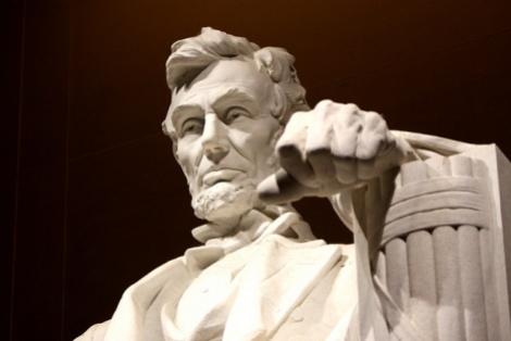 Abraham Lincoln foi um político norte-americano. 16° presidente dos Estados Unidos, posto que ocupou de 4 de março de 1861 até seu assassinato em 15 de abril de 1865
