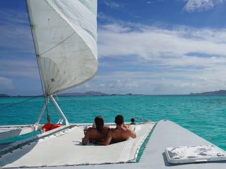 casal navegando