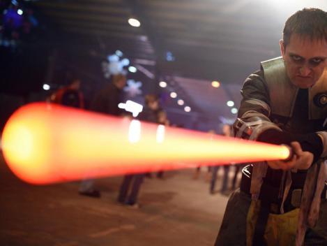 , Star Wars: Como construir um sabre de luz real, Suprimatec