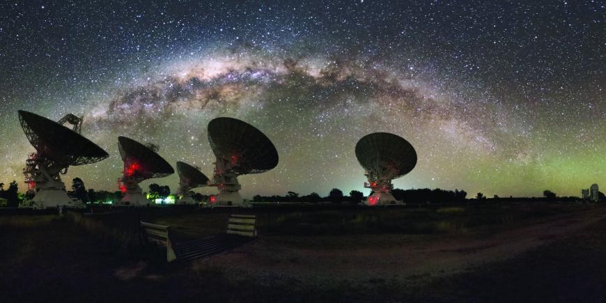 Matriz de radiotelescópios da CSIRO que captaram a FRB.