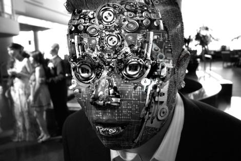 Um Ciborgue é um organismo dotado de partes orgânicas e cibernéticas, geralmente com a finalidade de melhorar suas capacidades utilizando tecnologia artificial.
