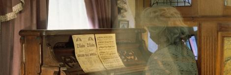 Fantasma tocando orgão