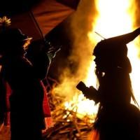 A estranha história por traz da brincadeira de Halloween doce ou travessura